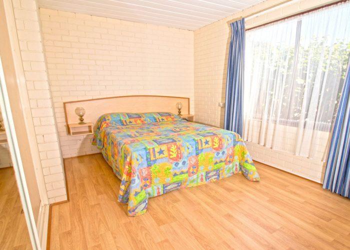 apollo-holiday-units-narooma-accommodation-bedroom-1