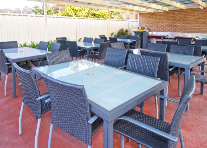 apollo-holiday-units-narooma-accommodation-outdoor-bbq-2