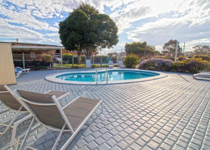 apollo-holiday-units-narooma-accommodation-pool-3