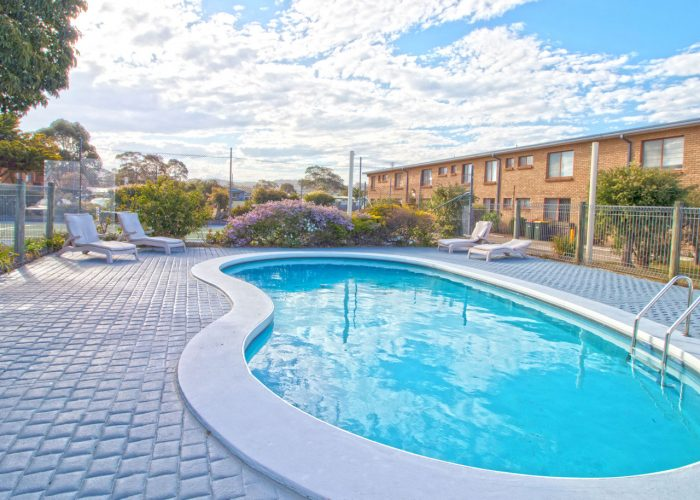 apollo-holiday-units-narooma-accommodation-pool-4